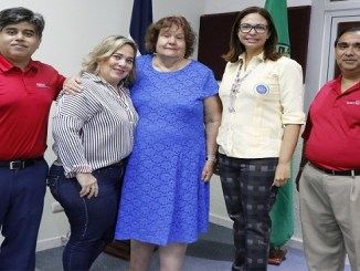 Doctores Mohammad Rahman, Maylen Chalas Frappier, Suzanne Kotkin-Jaszi, y Miguel Pérez.