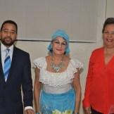 Lenin Francisco, María Cristina Mere de Farías e Isabel Reyes.