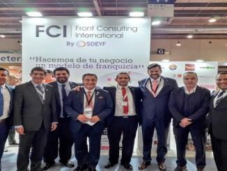 Miembros de FCI de diferentes paises_
