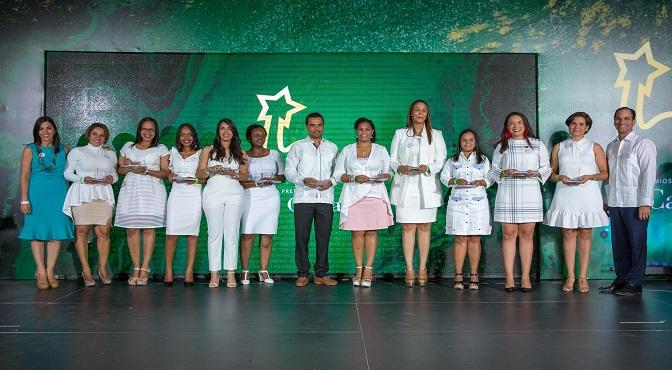 """Grupo Puntacana reconoce colaboradores en premios """"La Cana"""""""
