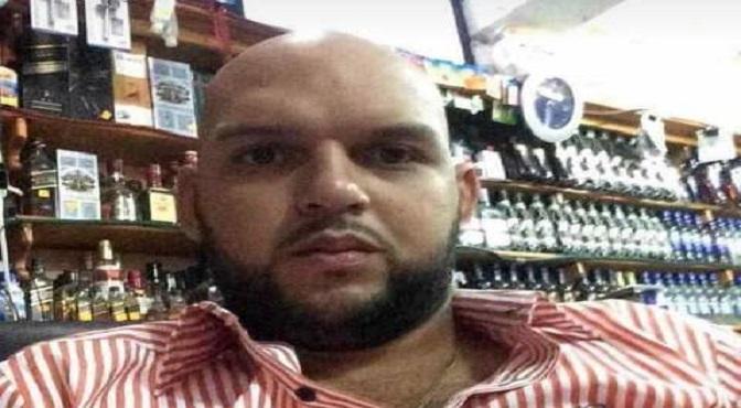 El comerciante Rolando Américo Yapor, quien fue ultimado cuando fue asaltado junto a varias personas que compartían en un colmado del sector Reparto Rosa, en Herrera, Santo Domingo Oeste.