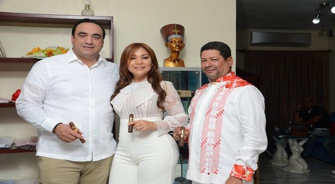 "ABELARDO LOPEZ ,BELKIS MARTINEZ y Francisco Rodríguez"" FARAON """