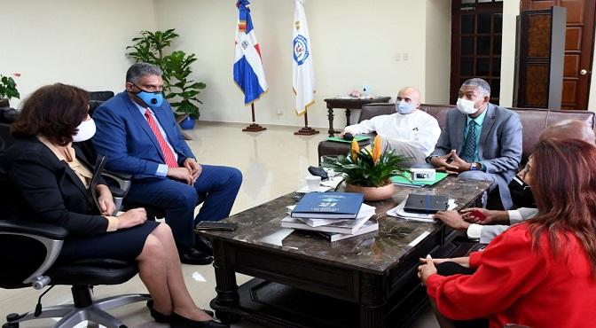 Reunión del Ministro Jesús Vásquez, iglesias Cátolica y Evangélica