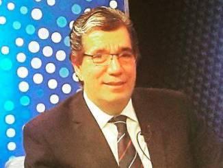 Henry Pimentel, locutor de noticias.