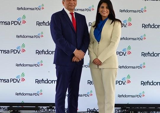Doctor Leonador Aguilera, presidente del Consejo de Administracion junto a Yamily López, gerente general
