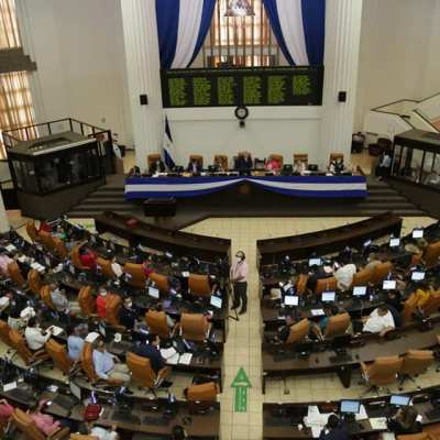 """Asamblea Nacional aprueba la """"Ley Putin"""" y desafía a la comunidad internacional"""