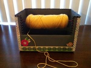 How to Make a Yarn Spool Box {diy}