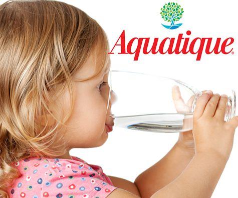 Imagini pentru bebeluş apa minerala