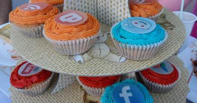 social-media-cupcakes