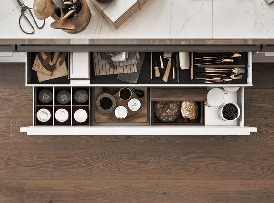 aménagement d'un tiroir de cuisine