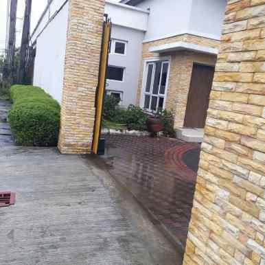 Yellow gate Residence 3