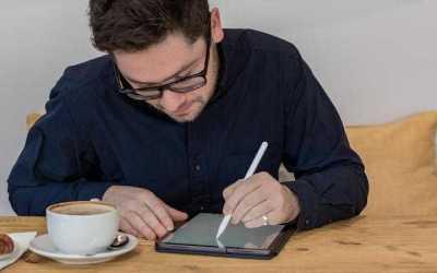 Apple Kahvaltı: iPhone Flip'in Doğuşu