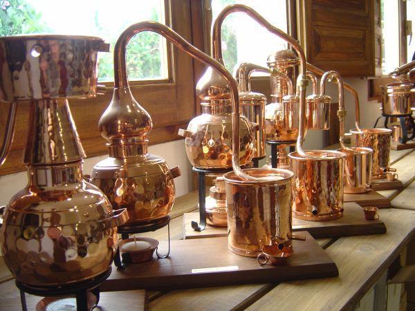 Copper Stills And Distillation Equipment For Decorating