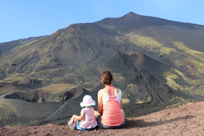 {Sicile #2} On a marché sur le volcan Etna !