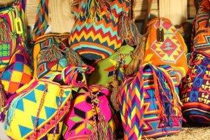 Sac tissé wayùu, uniques et colorés