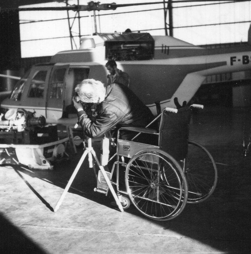 JD 673 Prise de vue à Sud Aviation en fauteuil roulant après son accident Mars 1972 Photo Emmanuel Decaillé