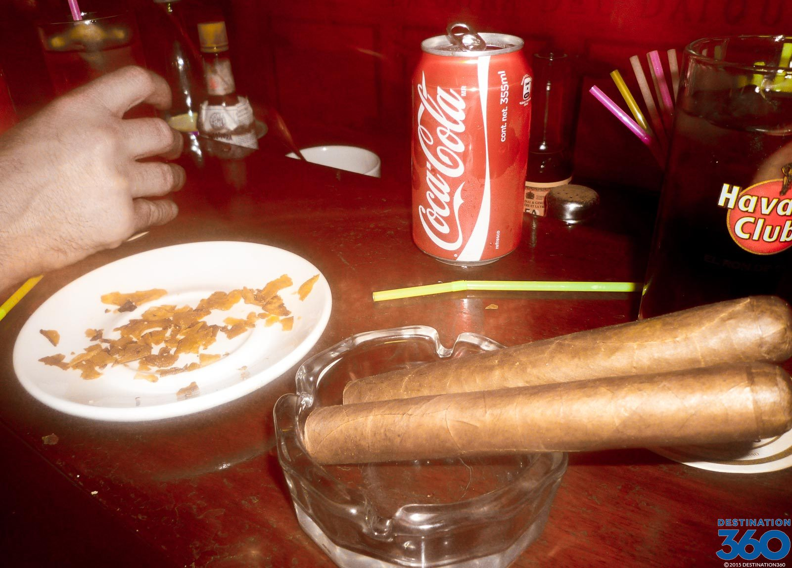 Cuban Cigars  How to Roll a Cigar