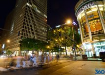Magnificent Mile - Shops In Chicago