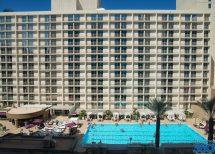 Harrahs Las Vegas Pool - Resort