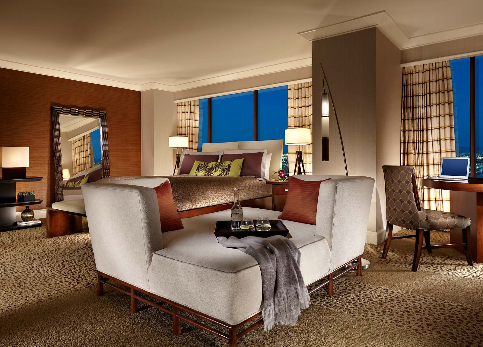 Mandalay Bay Extra Bedroom Suite Pictures las vegas