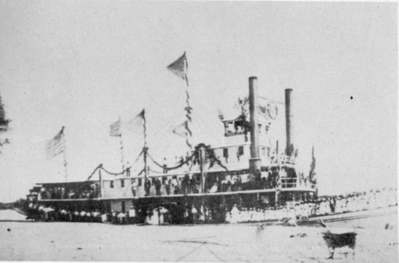 Mohave II at Yuma, Arizona, with Sunday school group embarked, 1876 - Unknown author - MacMullen, Jerry, Paddle-Wheel Days in California, Stanford University Press, 1944