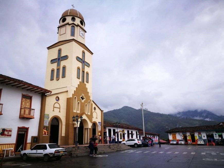 Destination Addict - Hanging out at Salento's main square, Colombia