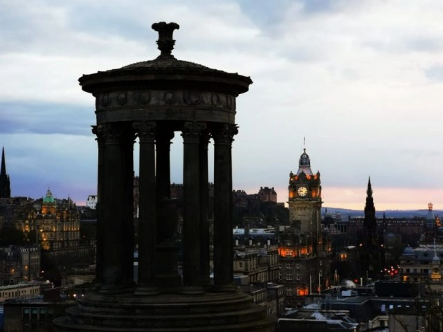 Sunset Views From Calton Hill - Edinburgh In 24 Hours - An Awesome Intinerary!
