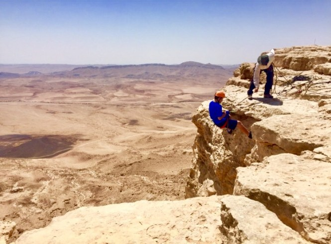 RamonCraterAdventure1 Ramon Crater and Negev Desert Adventure Activities Ramon Crater and Negev Desert Adventure Activities diy-israel  travel rappelling Ramon Crater Negev jeep Israel hot air balloons adventure activities