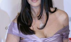 800px-Monica_Bellucci,_Women's_World_Awards_2009_a