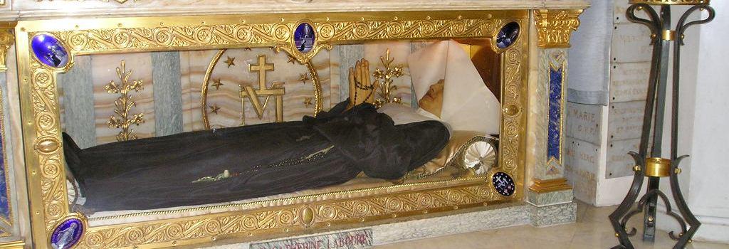 Apariţiile nocturne ale Fecioarei Maria şi poruncile sale