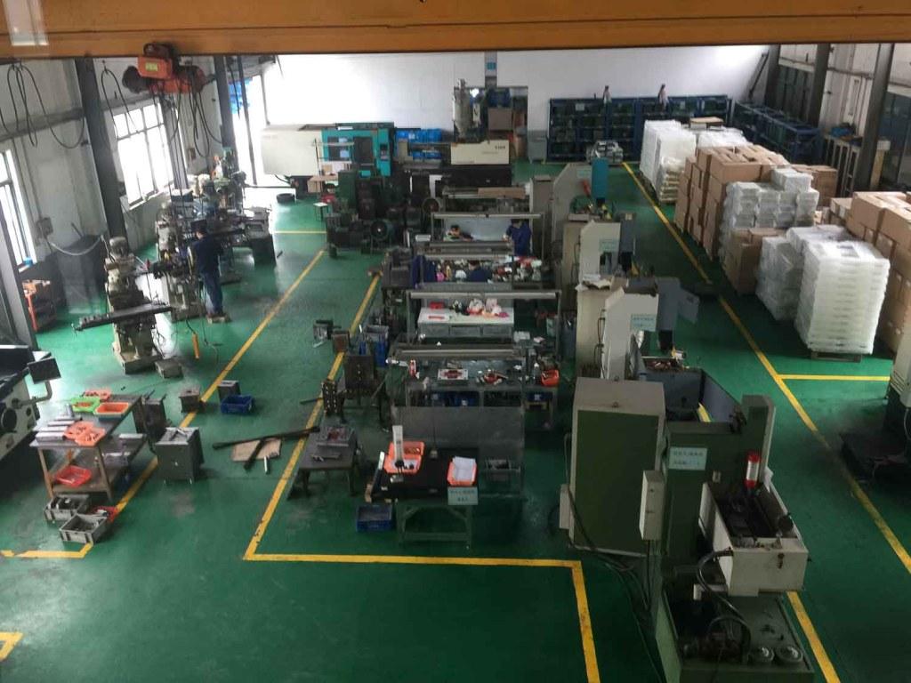 Linha de produção de uma fábrica em Xangai