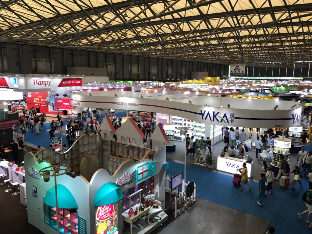 Feira de Cantão a maior feira do mundo Pavilhão de exposição da feira de petshop em Xangai