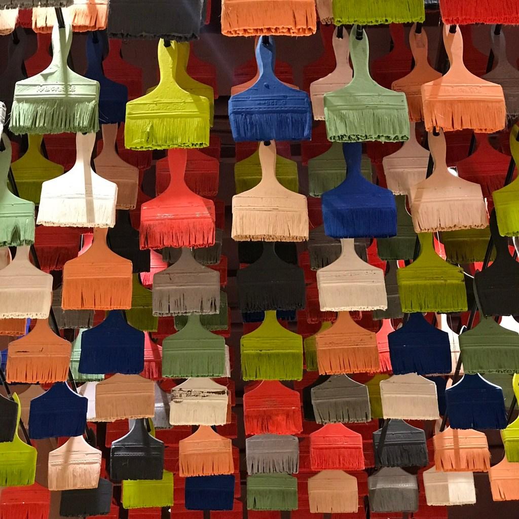 5 dicas para fazer negócios na China Diversos pincéis coloridos na China