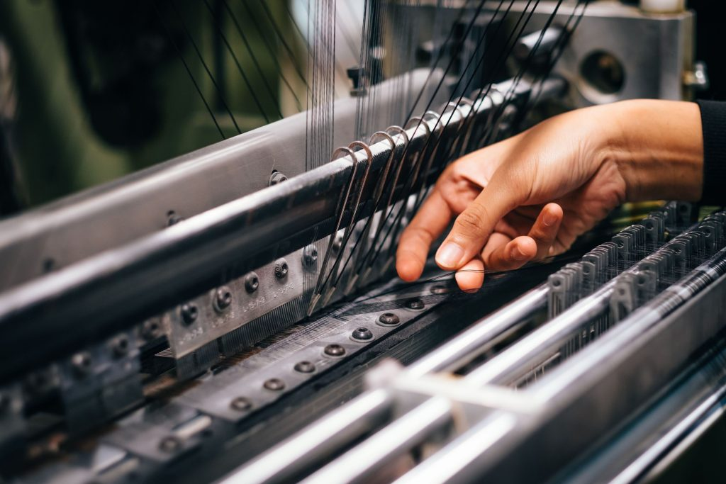 4 Dicas para Importar Tecidos da China Máquina industrial de tecelagem