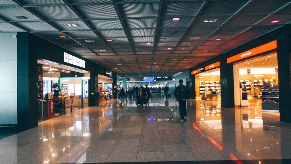 Como aumentar o lucro do seu negócio? Parte interna lojas de aeroporto