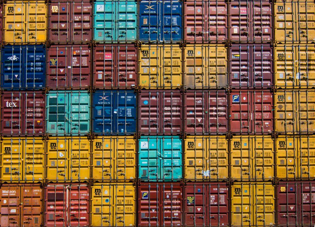 Impostos na Importação Empresarial Taxas de impostos para empresas que trabalham com importação
