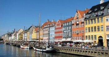 Canal de Nyhavn em Copenhaga. Autor: Srvora (wikipedia.org) sob licença Creative Commons Attribution ShareAlike 3.0