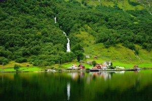 Descobrir a Noruega no Hurtiguten