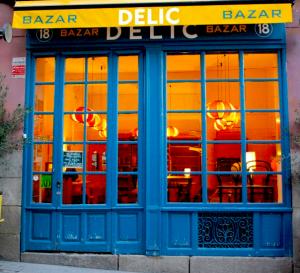 Sair à Noite em Madrid - Café Delic