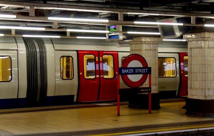 Viajar de metro é uma boa opção para poupar tempo e dinheiro