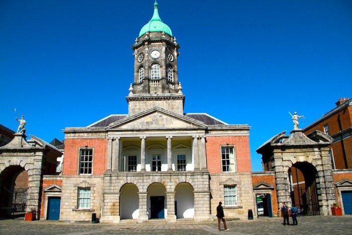 Fachada do Castelo de Dublin