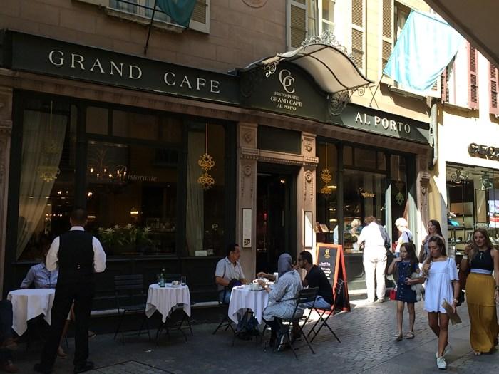 E o Grand Café Al Porto, uma antiga cafeteria da cidade