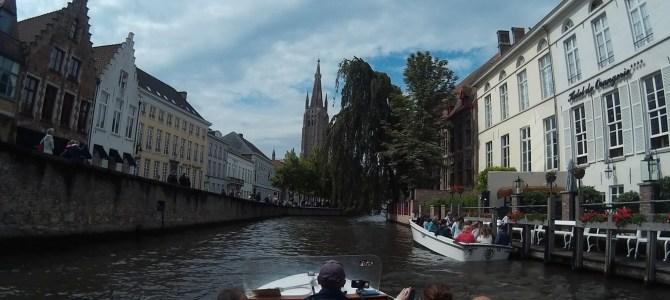 Passeio de barco em Bruges, Bélgica