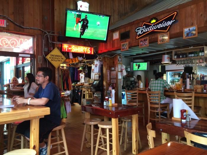 Um bar descontraído e normal