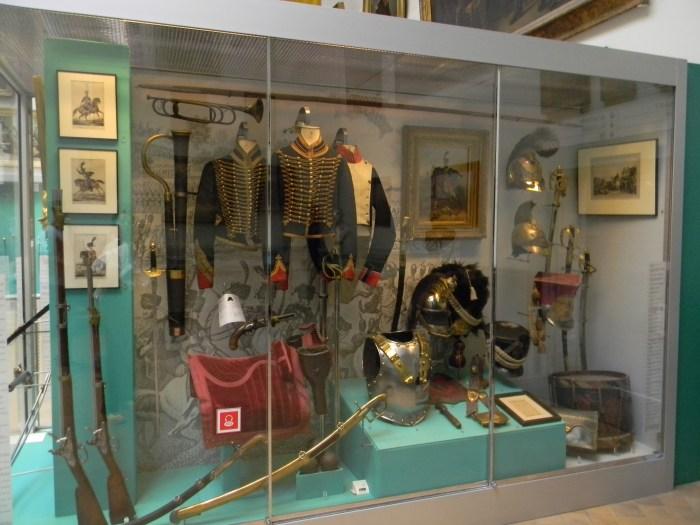 Diversos objetos raros e originais no Museu das Armas de Bruxelas