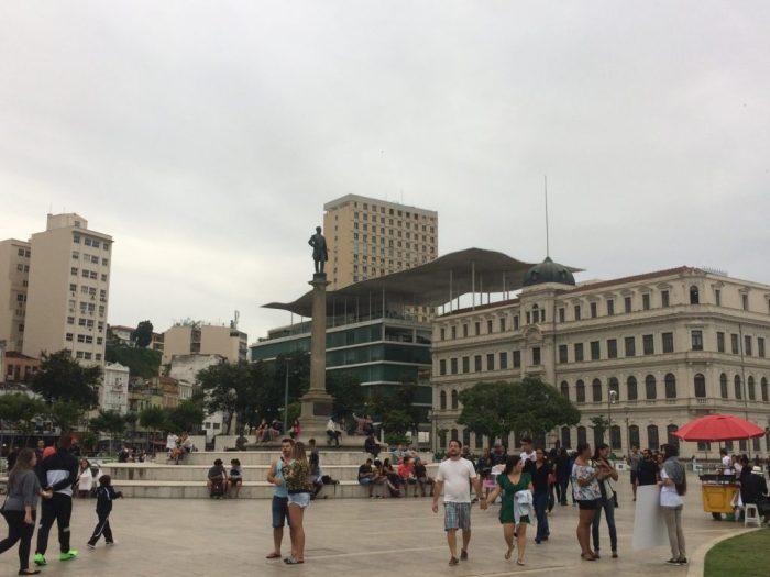 Praça Mauá com o MAR Museu de Arte do Rio ao fundo