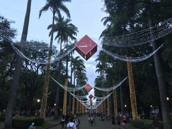 A iluminação da Praça da Liberdade