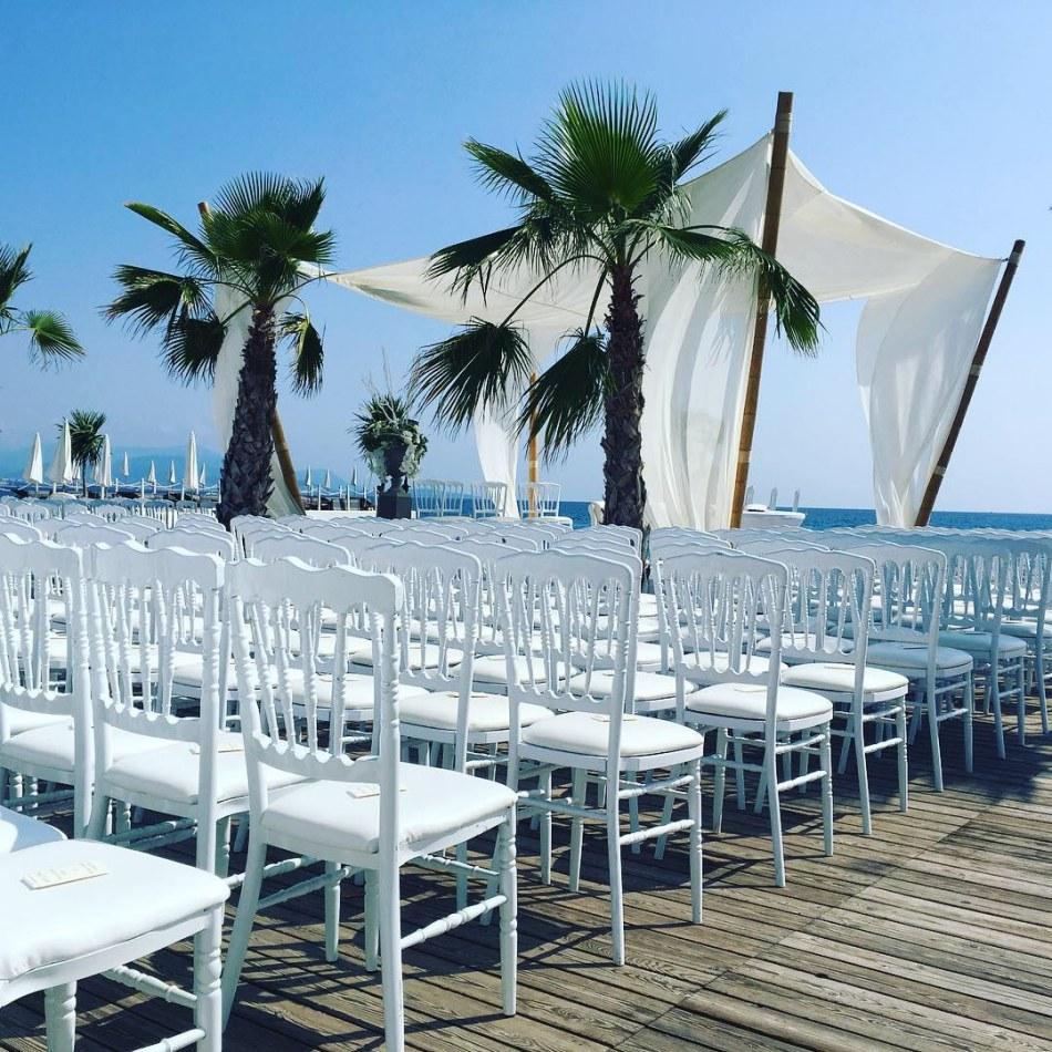 lot de 250 chaises napoleon blanches en