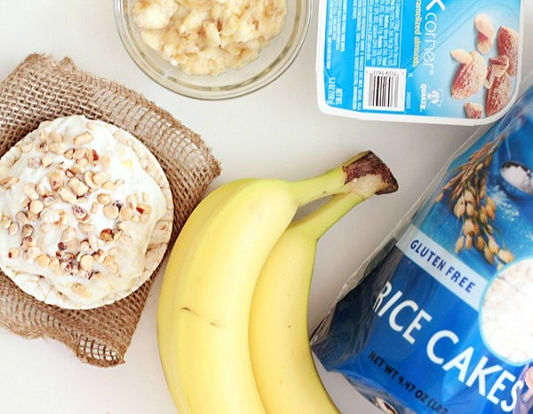 banana-almond-yogurt-rice-cakes-3
