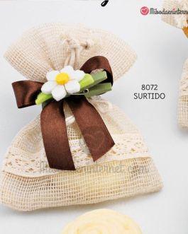 Bolsita Cenefa puntilla con 1 jabón y flor pinza lazo raso